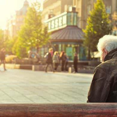 Abogados bancarios de Debelare liberan de deuda de tarjeta de crédito con intereses usurarios a jubilado.