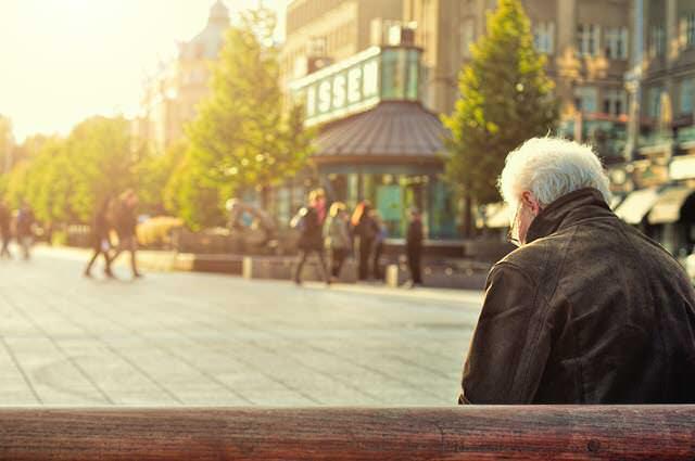 Abogados bancarios de Debelare liberan de deuda de tarjeta de crédito revolving con intereses usurarios a jubilado.