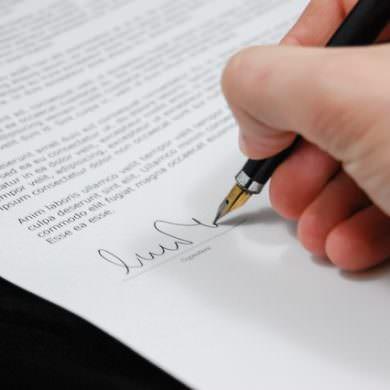 Los abogados no están obligados a entregar copia de los escritos que elaboran, a sus clientes, incluso aunque éstos lo soliciten.