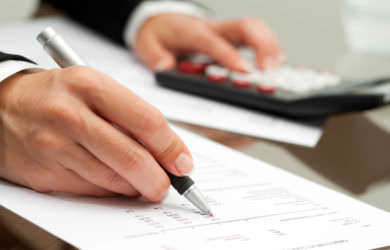 Cláusulas abusivas fueron empleadas para calcular las cantidades pendientes en la ejecución hipotecaria.