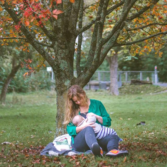 Modificación de medidas de custodia compartida, la lactancia y la corta edad del menor.