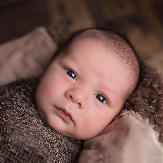 Bajar la pensión de alimentos debido al nacimiento de un nuevo hijo del pagador de la misma, mediante un procedimiento de modificación de medidas, es posible.