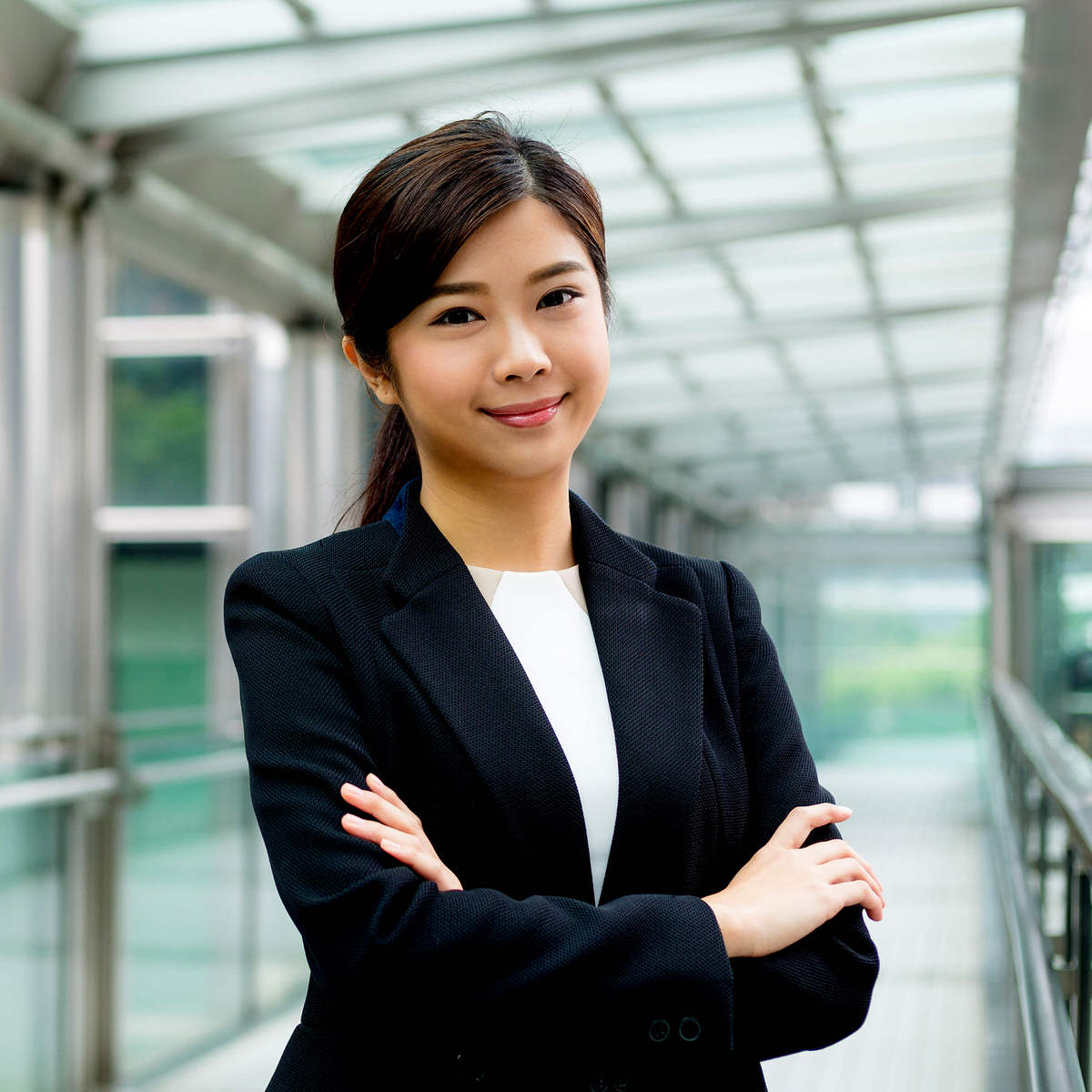 La expedición del visado en su lugar de residencia es el siguiente paso tras la obtención de la autorización para contratar al trabajador altamente cualificado extranjero.