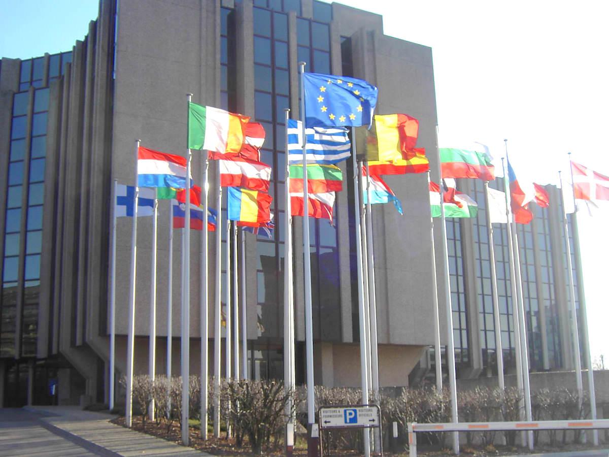 TJUE e IRPH: directiva europea 93/13/CEE sobre las cláusulas abusivas en los contratos celebrados con consumidores.